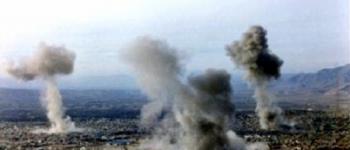 راهپیمایی مردم نهاوند در روز قدس سال 1364 باوجود بمباران هواپیماهای رژیم صدام+ فیلم